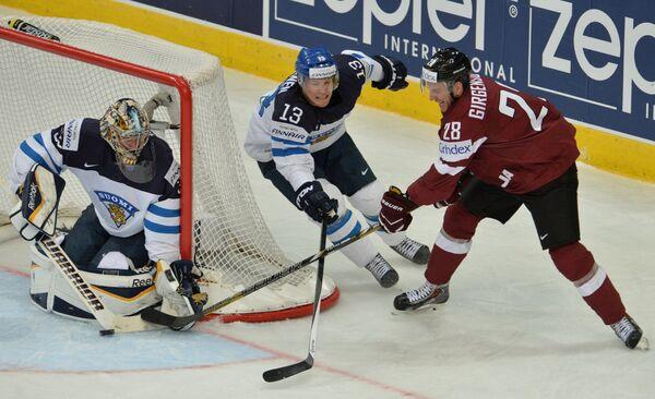 Игровой момент матча Финляндия - Латвия