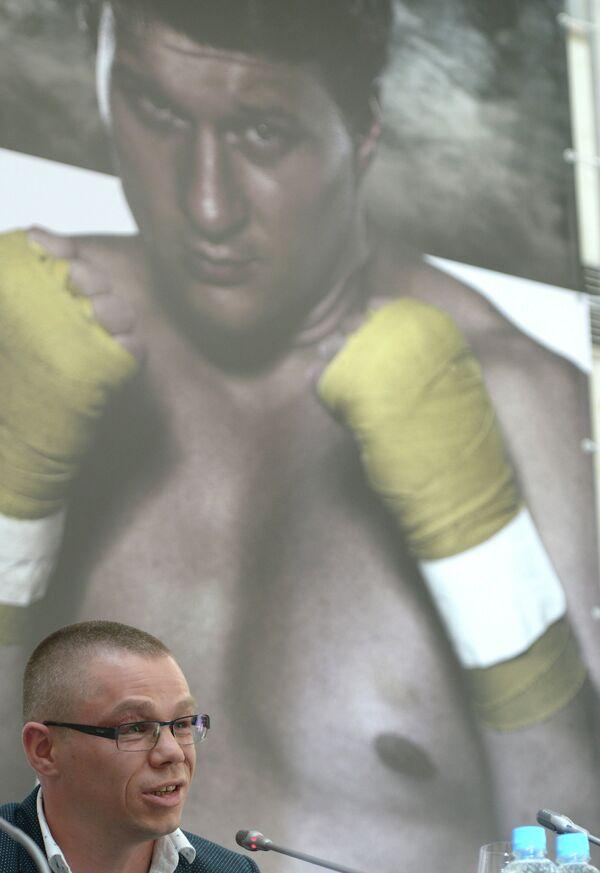 Иван Кирпа тренер Александра Поветкина на пресс-конференции