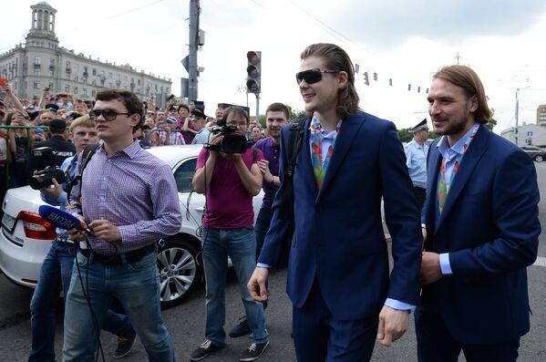 Андрей Зубарев и Виктор Тихонов (справа налево)