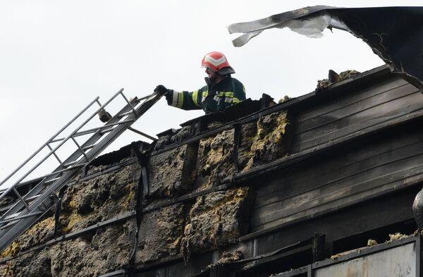 В Донецке произошел пожар во дворце спорта Дружба в Донецке