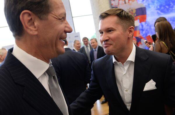 Президент Олимпийского комитета России Александр Жуков (слева) и четырехкратный олимпийский чемпион по спортивной гимнастике, главный редактор журнала Большой спорт Алексей Немов