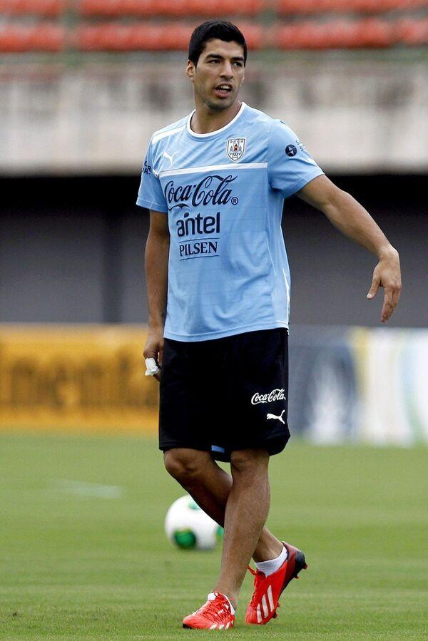 Форвард сборной Уругвая Луис Суарес на тренировке