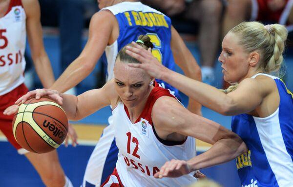 Ирина Осипова (слева)