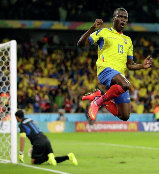 Нападающий сборной Эквадора Эннер Валенсия