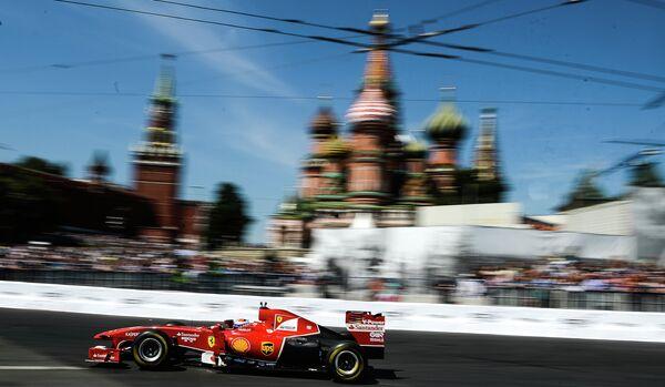 Бывший гонщик Формулы 1 Жан Алези