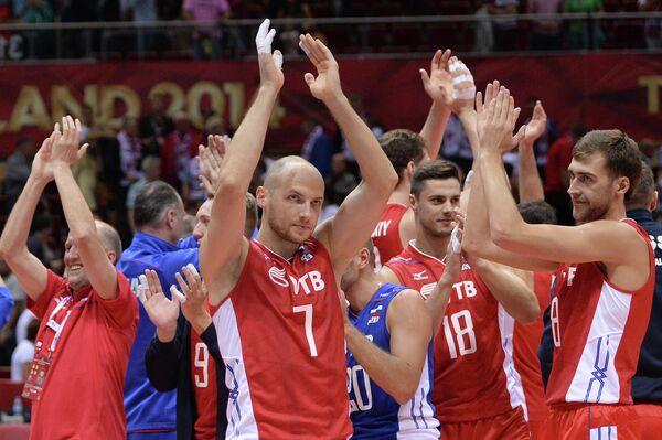 Волейболисты сборной России Николай Павлов и Денис Бирюков (справа)