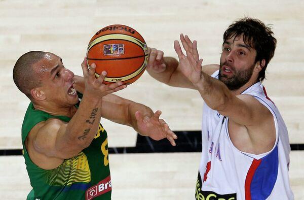Игровой момент матча ЧМ по баскетболу Бразилия - Сербия