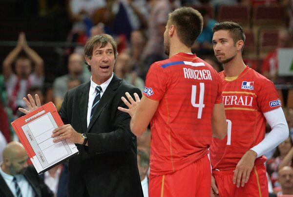 Главный тренер сборной Франции Лоран Тилли, Антонен Рузье и Кевин Тилли (слева направо)