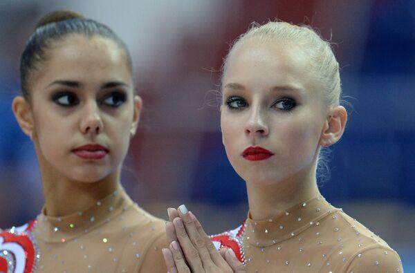 Российские гимнастки Маргарита Мамун (слева) и Яна Кудрявцева