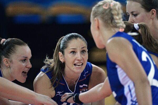 Волейболистки сборной России Екатерина Косьяненко (Панкова) и Татьяна Кошелева (слева направо)