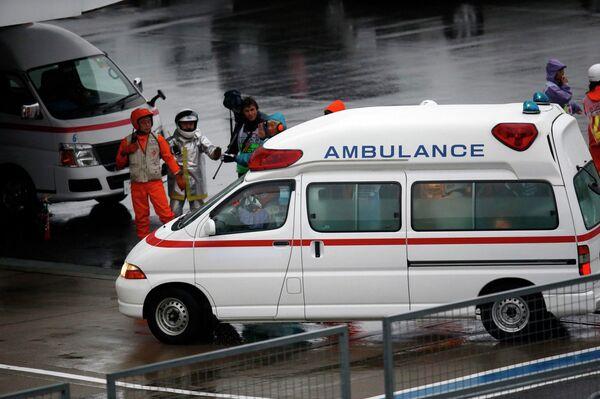 Карета скорой помощь, перевозившая пилота Маруси Жюля Бьянки в госпиталь после страшной аварии на Гран-при Японии