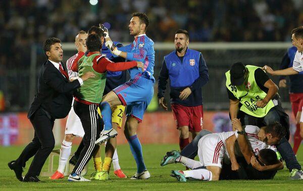 Потасовка на матче Сербия - Албания