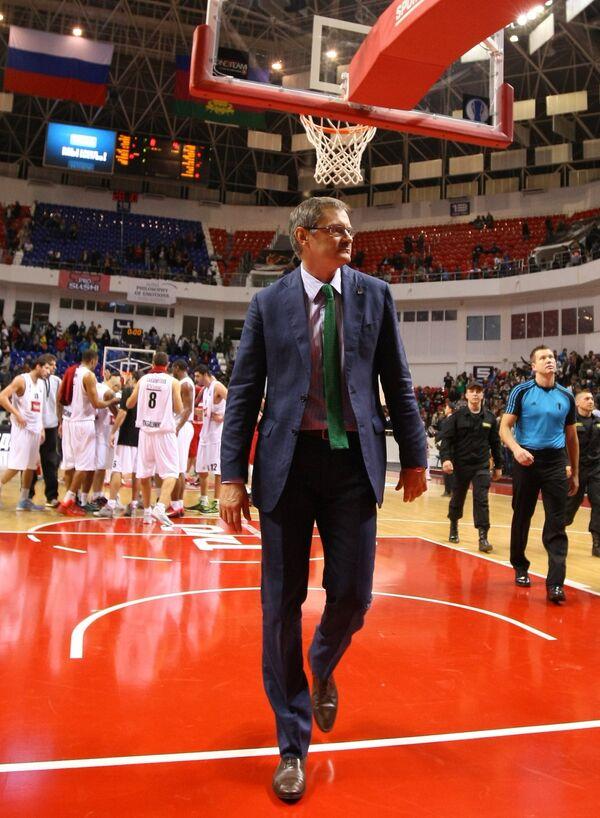 Главный тренер баскетбольного клуба Локомотив-Кубань Сергей Базаревич