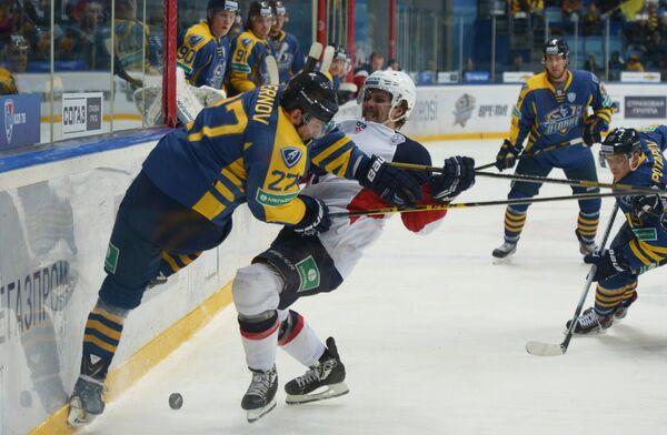 Игровой момент матча Атлант - Слован