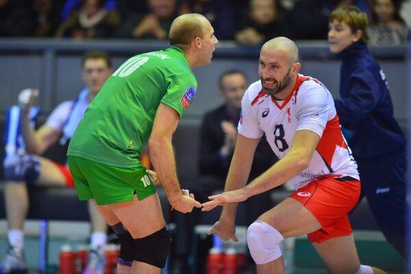 Волейболисты Белогорья Роман Брагин и Сергей Тетюхин (справа)