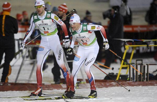Сборная Норвегии по лыжному двоеборью Йорген Граабак и Хавард Клеменсен (слева направо)