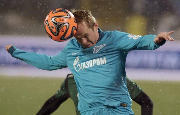 Защитник Зенита Александр Анюков в матче 17-го тура чемпионата России по футболу