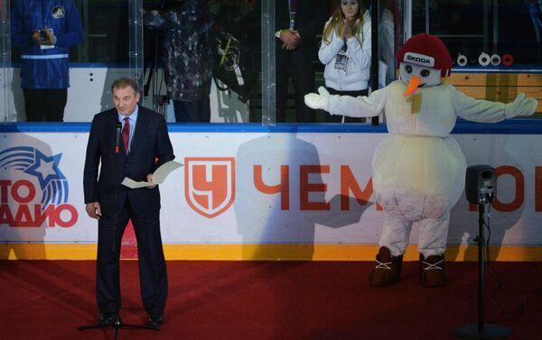 Президент Федерации хоккея России Владислав Третьяк (слева)