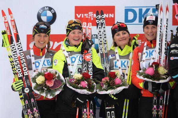 Французские спортсменки Марин Болье, Мари Дорен-Абер, Жюстин Бреза, Анаи Бескон (слева направо)