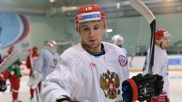 Антон Лазарев