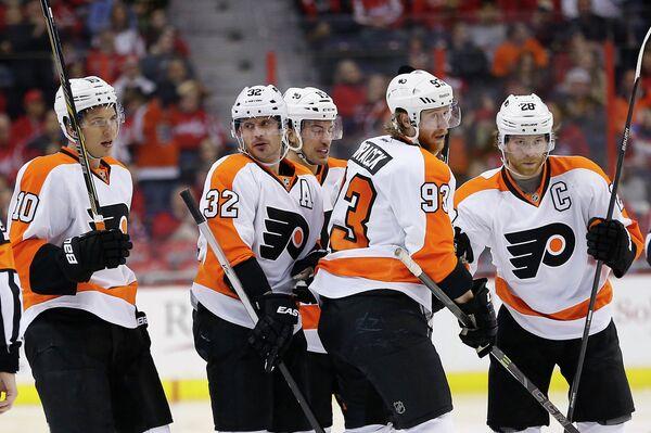 Хоккеисты Филадельфии радуются победе