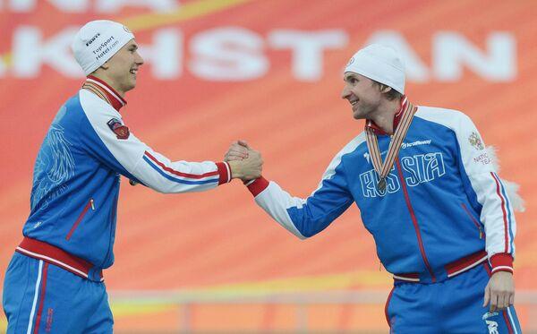 Слева направо: Павел Кулижников и Алексей Есин