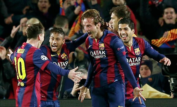 Футболисты Барселоны Лионель Месси, Неймар, Иван Ракитич и Луис Суарес (слева направо)