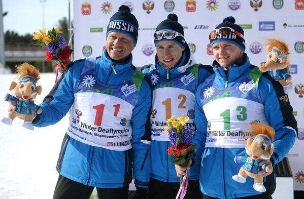 Российские спортсмены Сергей Ермилов, Владимир Майоров, Алексей Грошев (слева направо)