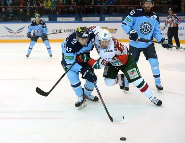 Игровой момент матча Сибирь - Ак Барс