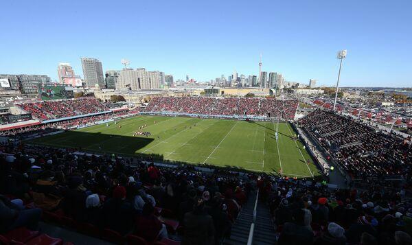 Стадион Бимо Филд в Торонто, Канада.