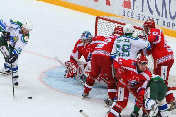 Финал чемпионата России по хоккею : Салават Юлаев выиграл у Локомотива - 2:0