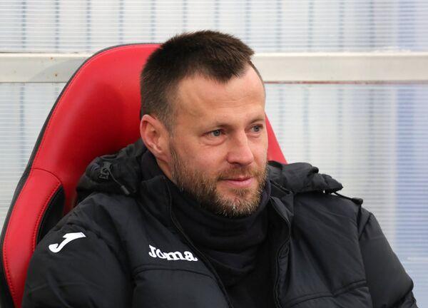 Тренер Амкара Андрей Каряка
