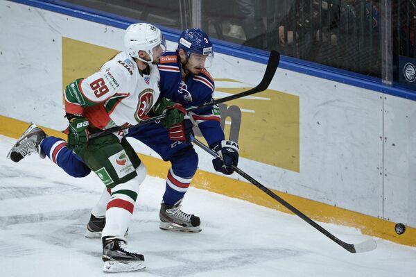 Александр Бурмистров (слева) и Динар Хафизуллин