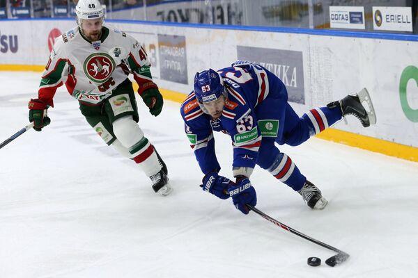 Пётр Врана (слева) и Евгений Дадонов