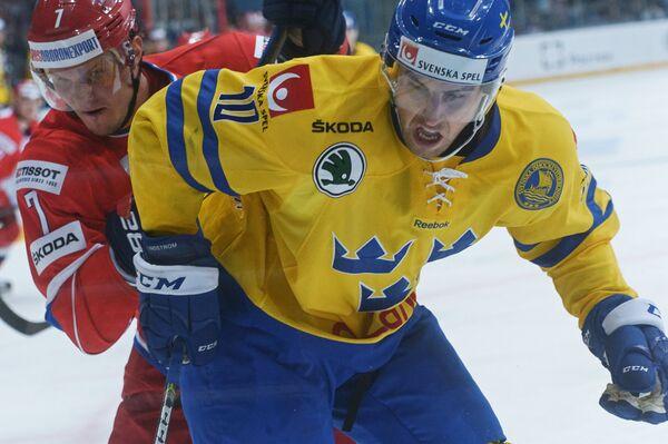 Дмитрий Куликов (слева)