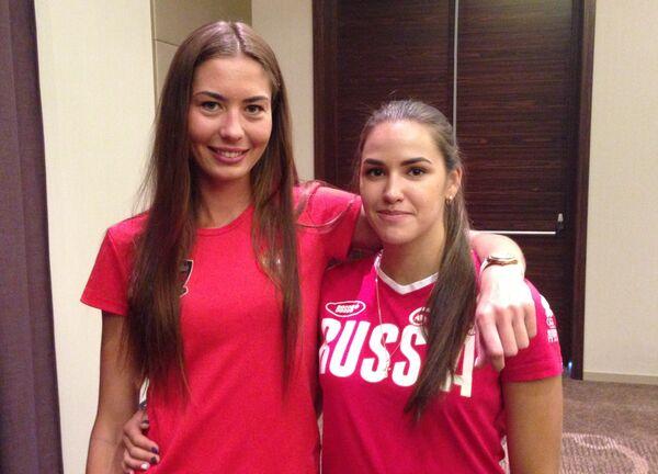 Российские волейболистки-пляжницы Дарья Рудых (справа) и Ольга Мотрич