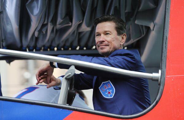 Главный тренер клуба Вячеслав Быков во время чествования хоккеистов и руководства хоккейного клуба СКА