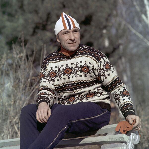 Олимпийский чемпион по скоростному бегу на коньках 1956 и 1960 гг. Евгений Гришин