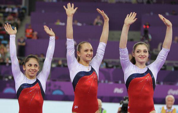Седа Тутхалян, Виктория Комова и Алия Мустафина (слева направо)