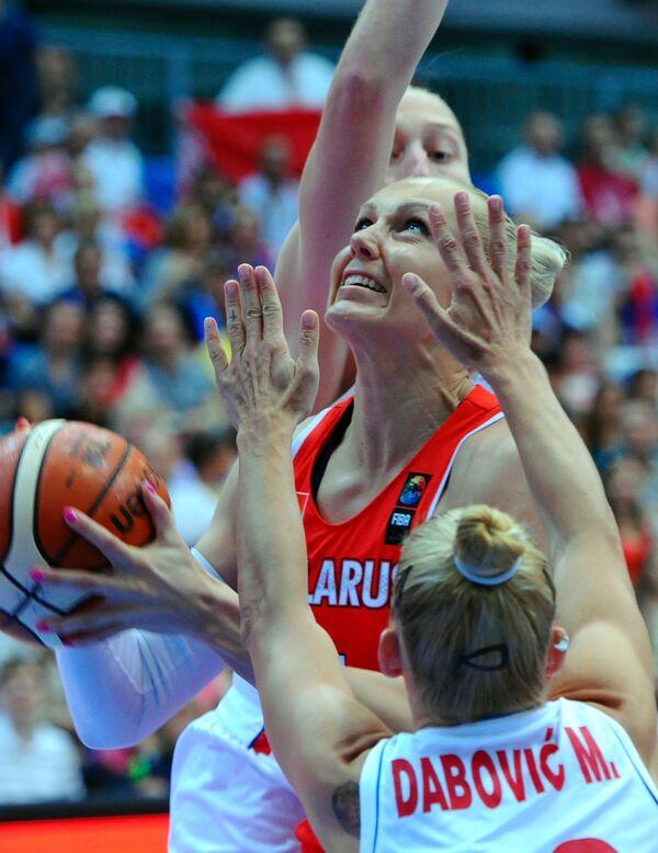 Игровой момент матч женского чемпионата Европы по баскетболу Сербия - Белоруссия