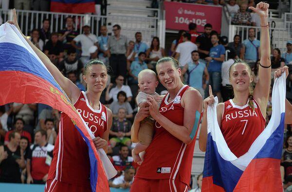 Анна Лешковцева, Татьяна Видмер и Татьяна Петрушина (слева направо)