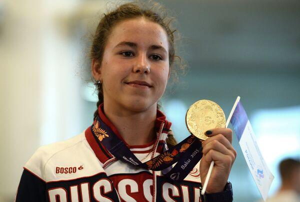 Пловчиха Арина Опенышева на торжественной церемонии встречи сборной России, прибывшей с I Европейских игр