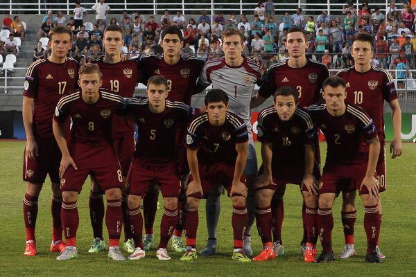 Футболисты юношеской сборной России по футболу (не старше 19 лет)