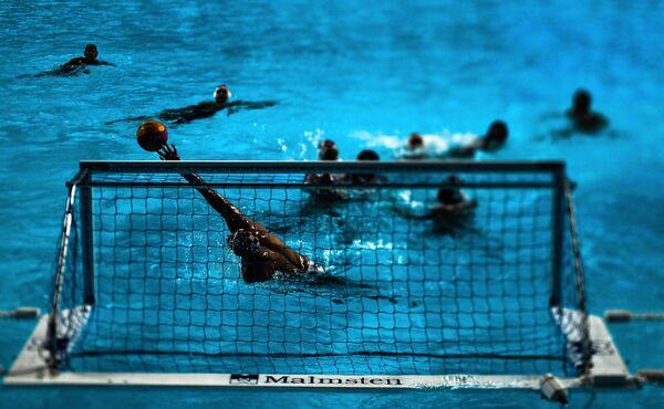 Игрок сборной Хорватии Дамир Бурич в матче первого предварительного раунда по водному поло среди мужчин между сборными Хорватии и Бразилии