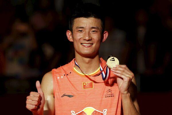 Китайский бадминтонист Чэнь Лун