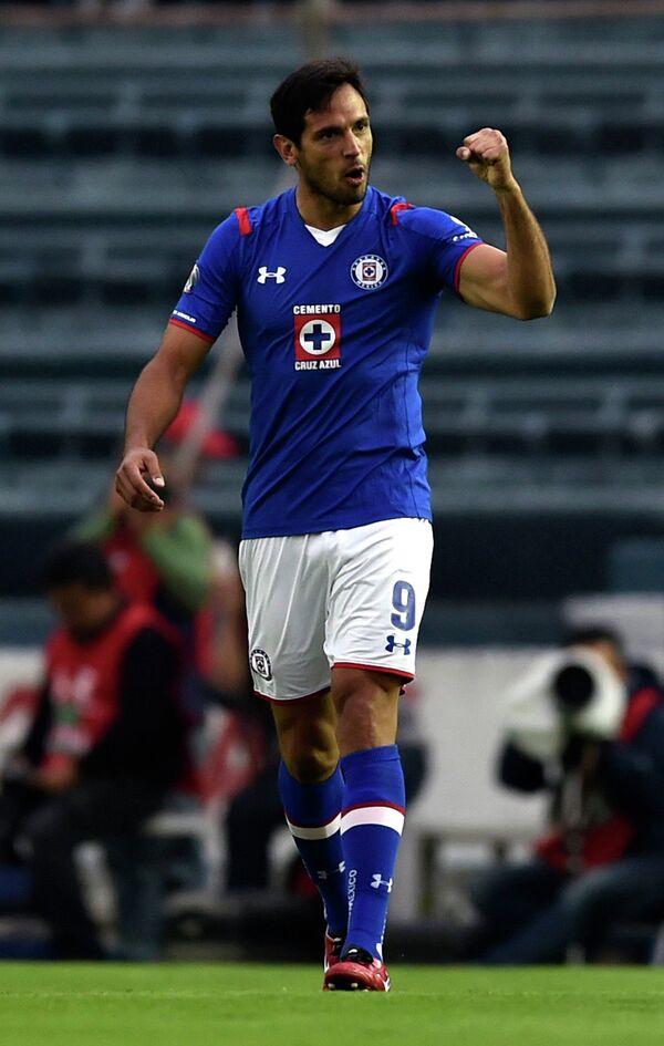 Парагвайский футболист Роке Санта Крус