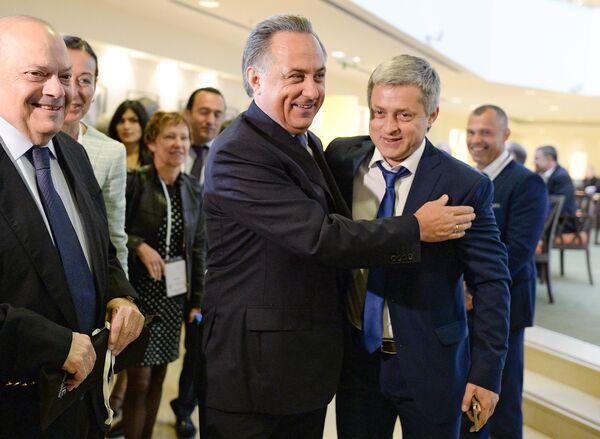 Виталий Мутко (в центре)