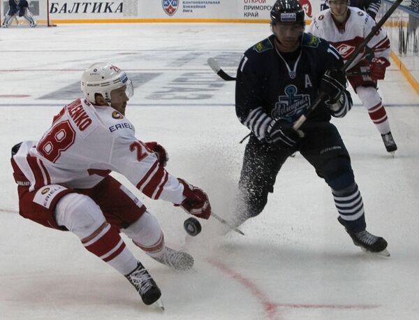 Игровой момент матча Адмирал - Спартак