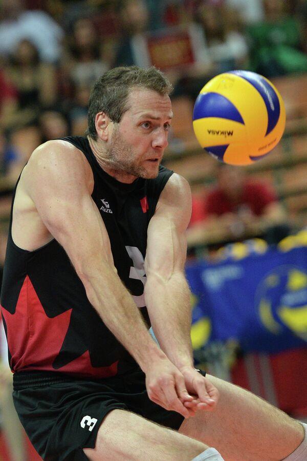 Волейболист сборной Канады Дэниэл Льюис