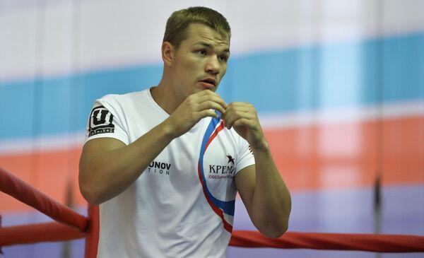 Чемпиона мира по версии WBA во втором среднем весе Федор Чудинов